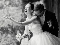 Како дождот да не ви го расипе расположението на венчавката?