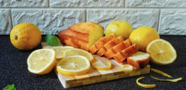 Брз колач со лимон