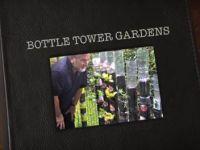 Собирал пластични шишиња во дворот. Она што се случило една година подоцна е НЕВЕРОЈАТНО!