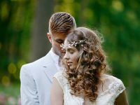 Романтични невестински фризури