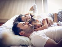 Ако сакате вашето дете да биде попаметна и посигурна личност, тогаш нека спие подолго со вас