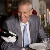 Нарачал вино од 300 евра, а го испил она од 5.150 евра, откако келнерот отворил погрешно шише