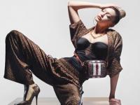 Gigi Hadid е ѕвездата на новата Burberry TB Monogram кампања