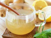 Како да подготвите сок од лимон и ѓумбир за прочистување на црниот дроб