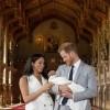Првите фотографии од најпопуларното момче во кралството беа објавени: Хари и Меган го покажаа својот син